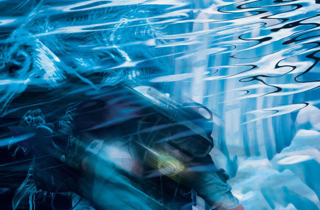 Hold varmen – hvorfor fryser vi så hurtigt i vand?