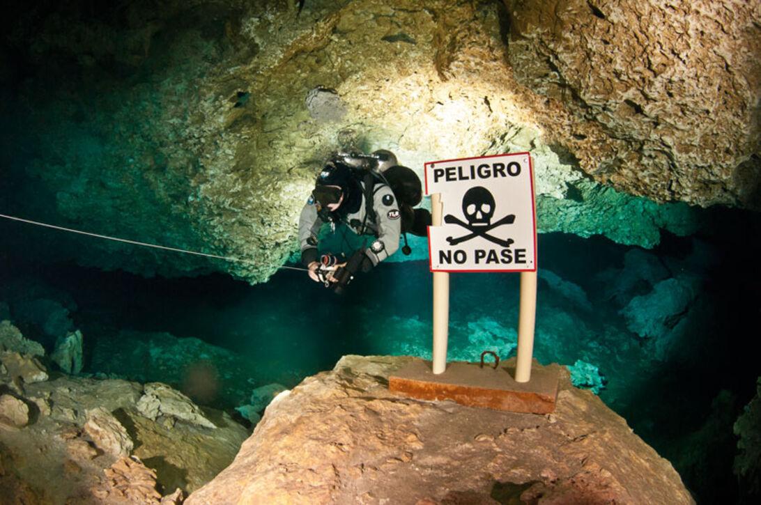 I den hule hånd – Full cave i Mexico