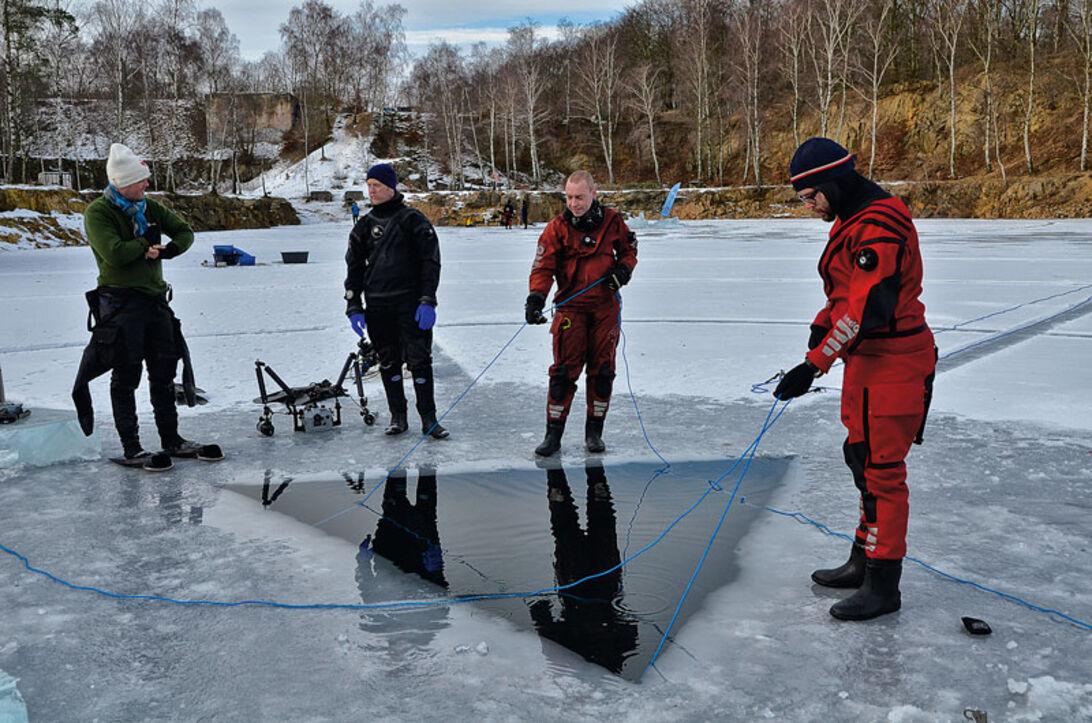 Isdykning – Vinterens store oplevelse eller bare koldt og mørkt?