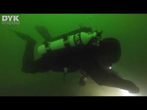 Dykning i søen Perucac i republikken Srpska i Bosnien Hercegovina.