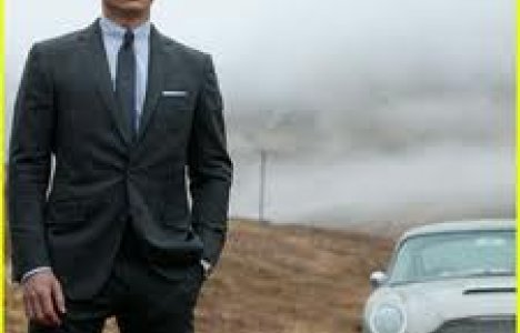 Daniel Craig sov under vandet imellem Bond optagelser