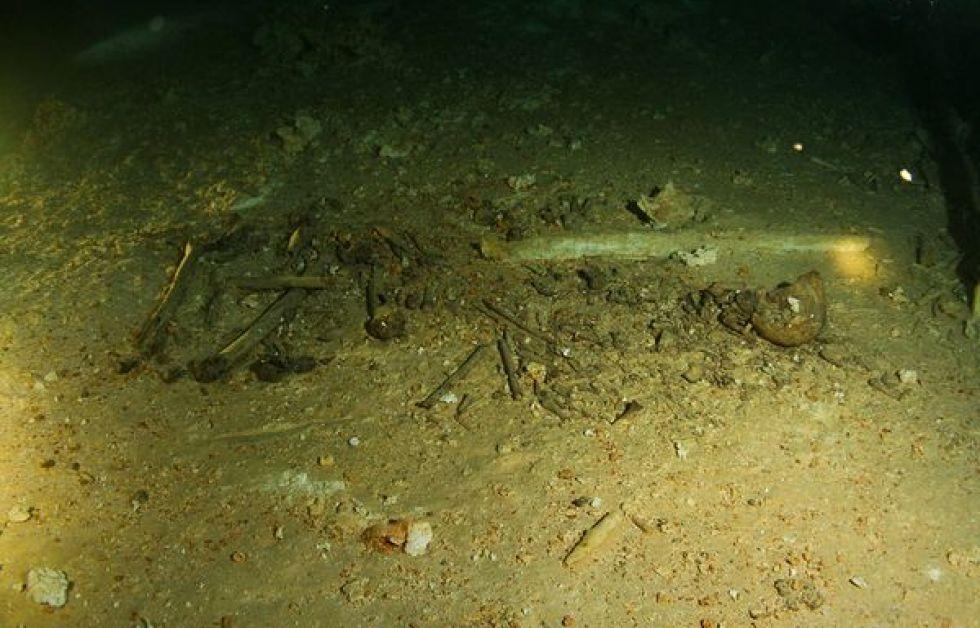 Et af verdens ældste skeletter fundet under huledyk
